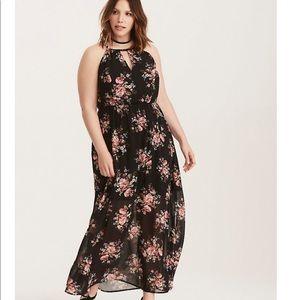 Torrid maxi dress 🌸